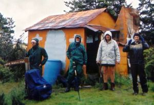 Community with simplicity at Poor Pete's Hut, Kahurangi